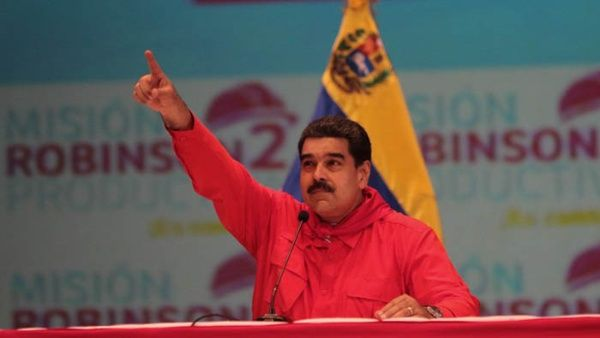 """Llueve, truene o relampaguee, la Constituyente va"", dijo Maduro."