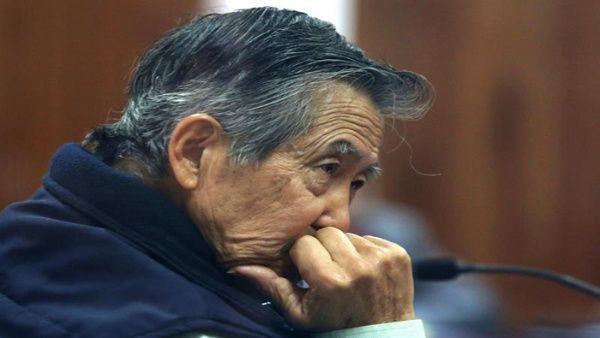 Alberto Fujimori está condenado a 25 años de prisión por crímenes de lesa humanidad y cargos por corrupción.