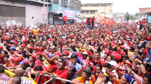 El poder popular organizado, movimientos sociales, miembros del Partido Socialista Unido de Venezuela y del Gran Polo Patriótico participaron en esta convocatoria para respaldar el carácter democrático de las elecciones previstas para este próximo 30 de julio.