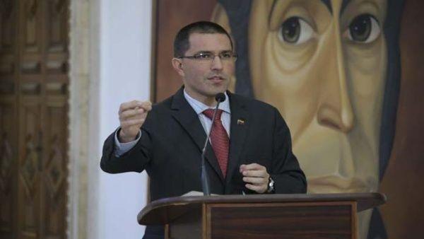El canciller venezolano rechazó las declaraciones de ambos mandatarios.
