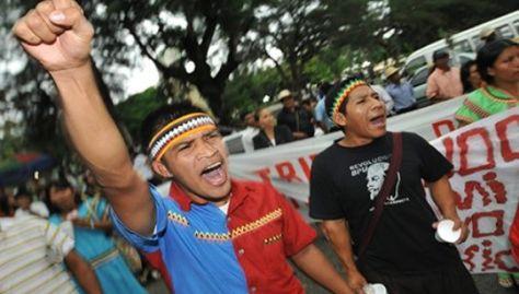 El 12 de octubre se recuerda la lucha de los pueblos originarios desde 1492, además del inicio del mayor genocidio hecho en la historia.