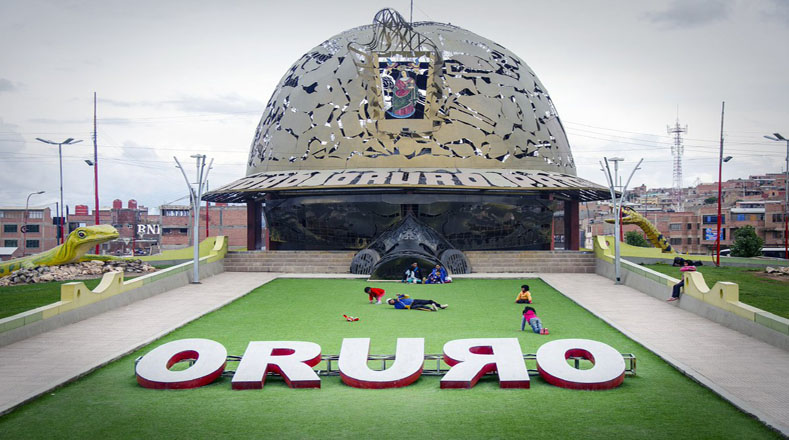 En la celebración rinden honor a la Rebelión de Oruro, llama de la independencia contra la dominación española.