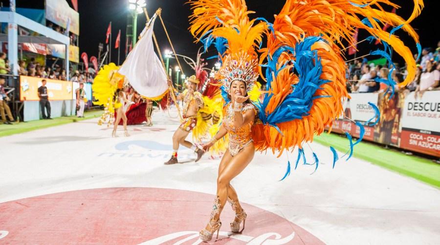 La madrugada de este domingo dio cita para la celebración de los Carnavales que se extenderá hasta el próximo martes.