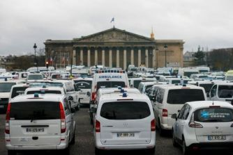 Resultado de imagen para Fotos: ambulancias se tomaban las calles de París
