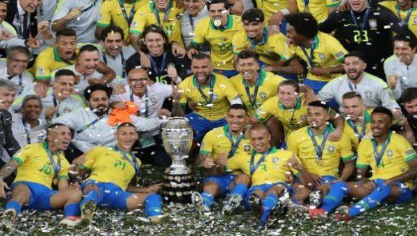 Brasil se convierte en campeón del torneo luego de 12 años sin alcanzar el objetivo, cuando perdió ante Argentina en 2007.
