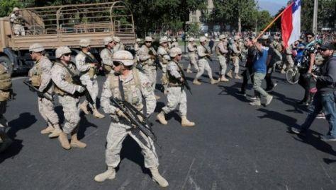 La militarización del país ha ido en aumento para tratar de controlar las protestas que empezaron el pasado viernes.