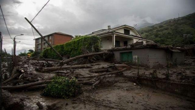 """Las recientes tormentas se producen un día después de ocurrir una granizada del """"tamaño de pelotas de tenis""""."""
