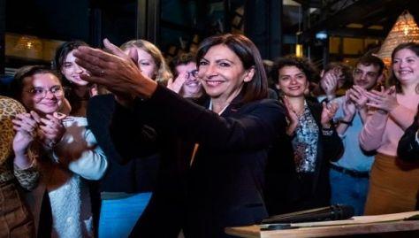 Anne Hidalgo ejerce actualmente como alcadesa de la ciudad de París, capital francesa.