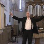 Id. Reiter István hegedűművész a somorjai református templomban 2011. július 9-én.