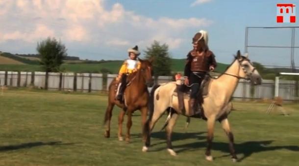 Az ózdi lovas íjászok Bátkában