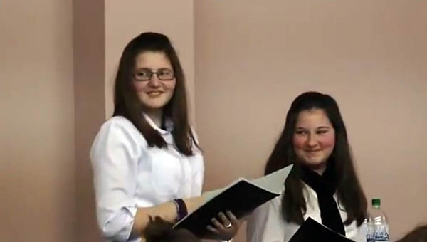 Bernáth Boglárka, Janikovics Alexandra, Diósförgepatony