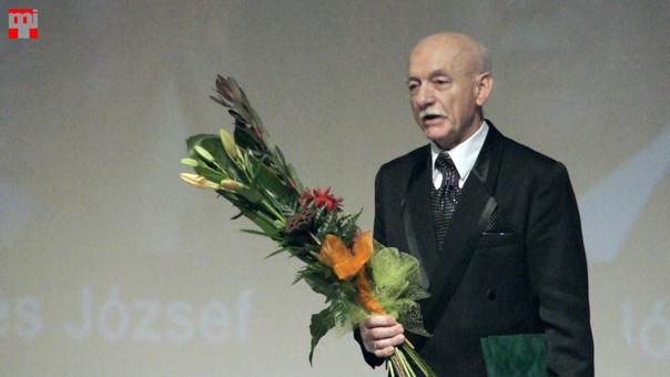 Ádám Lajos átvette a Csemadok életmű Díjat Fotó © Magyar Interaktív Televízió, 2014