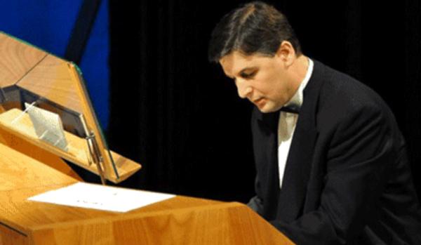 Pálúr János orgonaművész