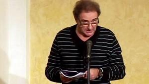 Turczi István olvas fel a Szőrös Kő-esten a PIM-ben