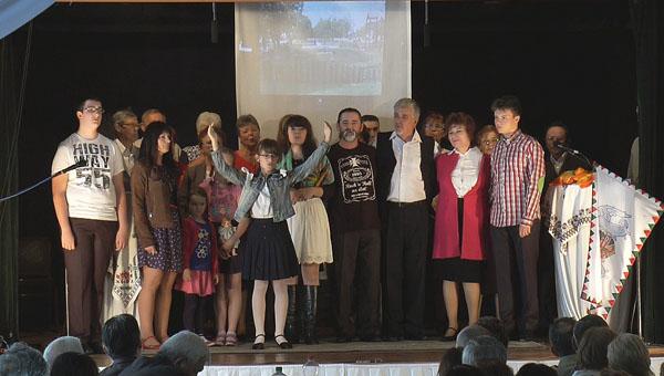 Emlékműsor négy emberöltőről egy órában Csemadok Pozsonypüspöki Alapszervezete 2015. május 16., Vetvár Művelődési Ház