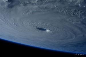 tajfun-600x400