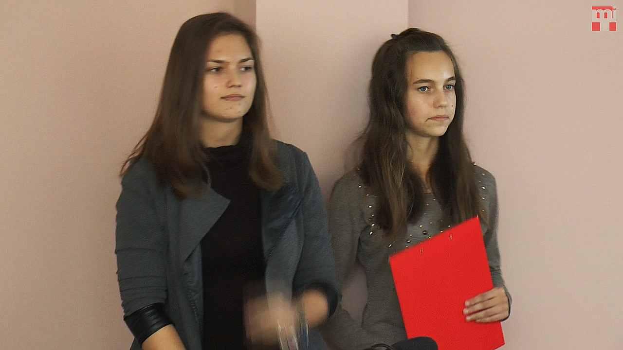 Baraňovič Viktória és Földes Éva, Csicsó