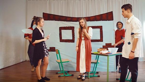 English Drama of Szenczi Molnár Albert Alapiskola