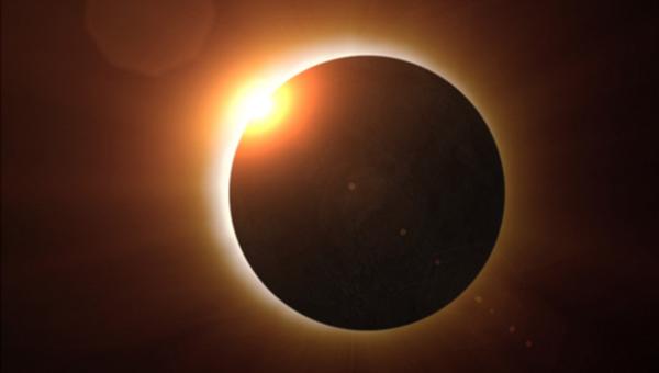 Napfogyatkozás fotó © NASA