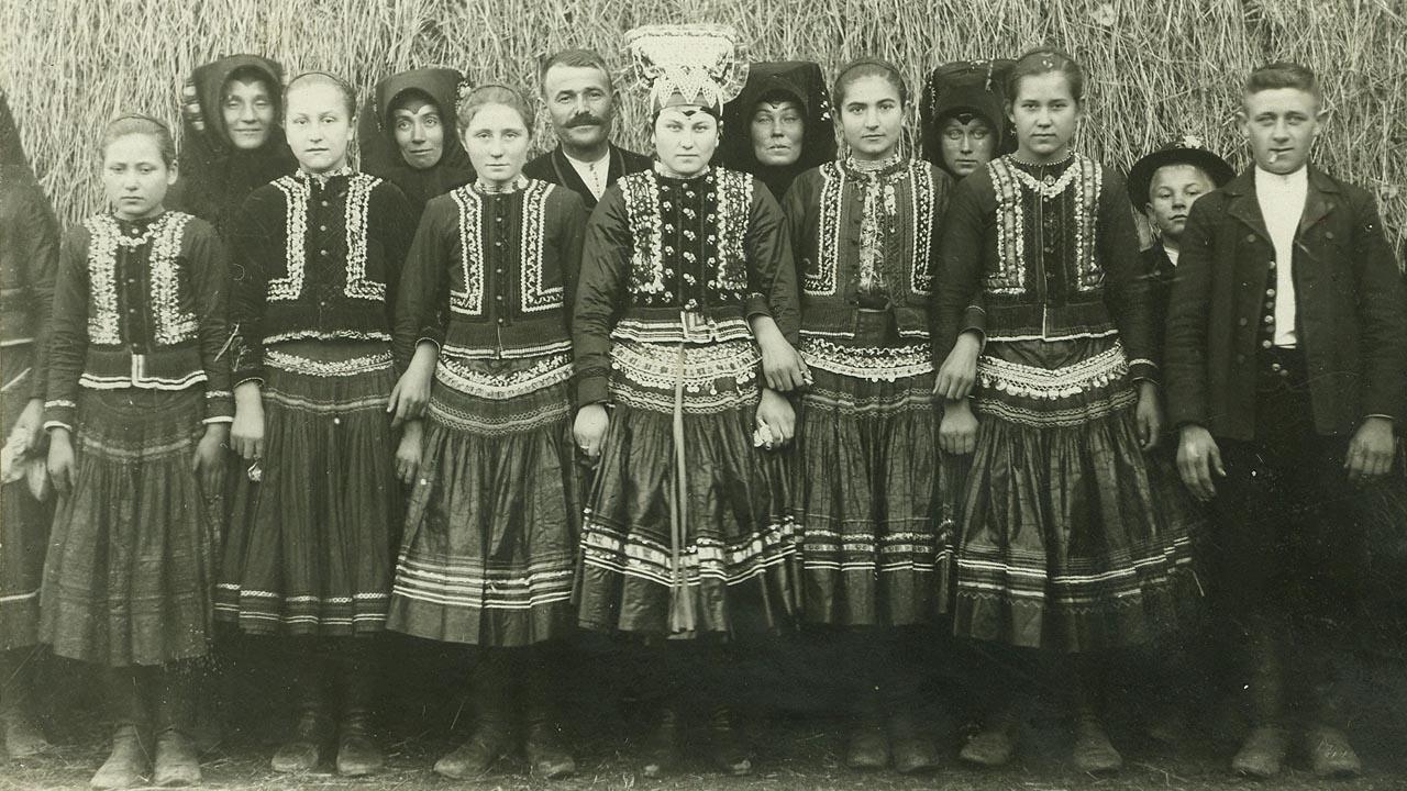 Menyasszony és koszorúslányok - Čajkov