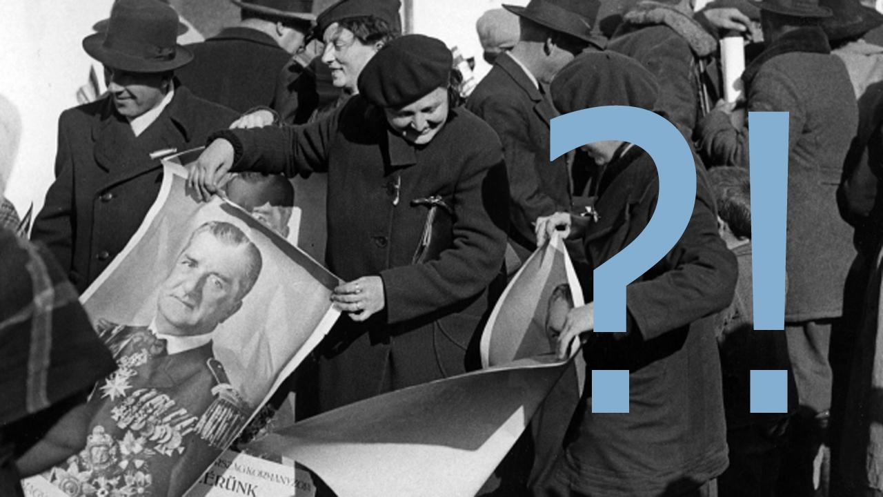 Bodrogszerdahely, 1938. november 10. Bodrogszerdahely lakosai között Horthy Miklós kormányzó portréját ábrázoló plakátokat osztanak szét a felvidéki bevonuláskor. MTI Fotó / Hadtörténeti Intézet