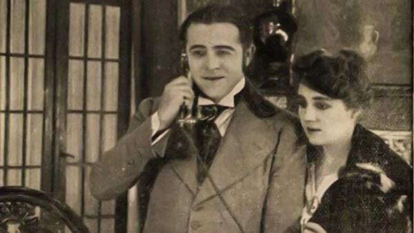 A SZERENCSE FIA (1916) - jelenet a filmből (Csortos Gyula, Lenkeffy Ica).