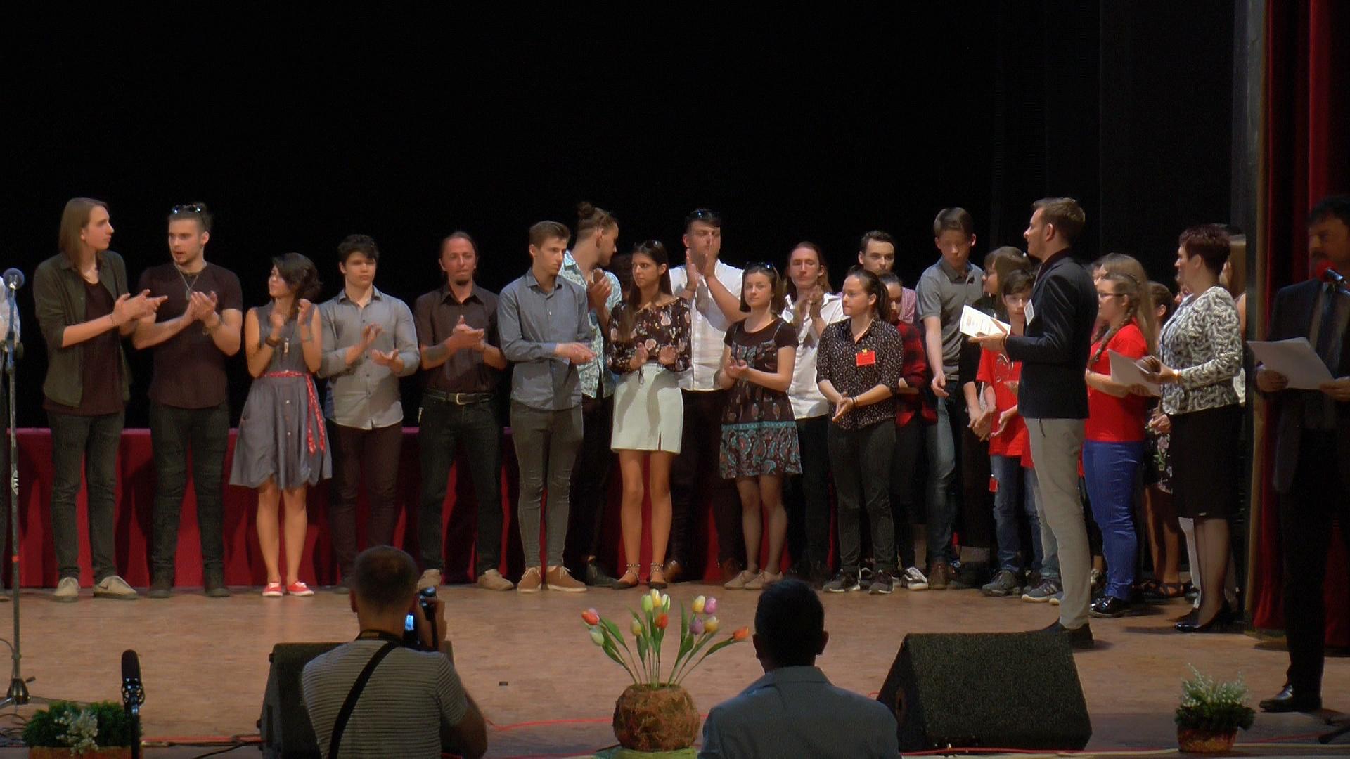 A XXVII. Tompa Mihály Országos Verseny országos döntőjének díjátadója VI. KATEGÓRIA – Verséneklők