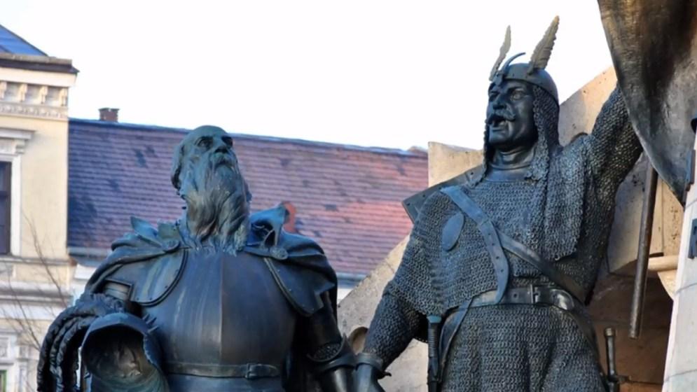 Fadrusz kolozsvári Mátyás-szobrának mellékalakjai