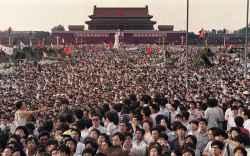 1989 forradalmi év volt az egész világban. Európa a kommunista rendszer felszámolását ünnepelte és azt, hogy Románia kivételével mindez békés körülmények között valósult meg.
