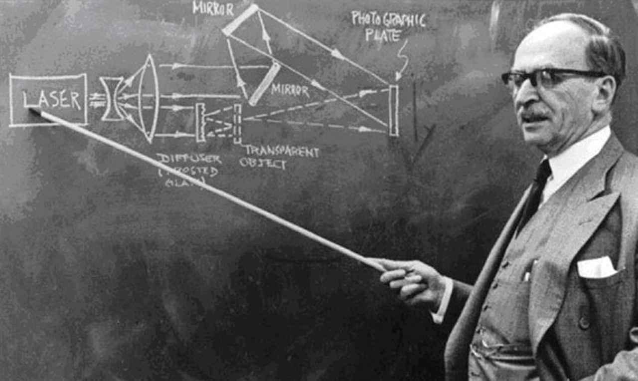 120 éve született a hologram feltalálója, Gábor Dénes
