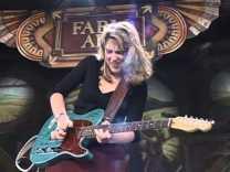 Susan Tedeschi bluesgitáros és énekesnő 50