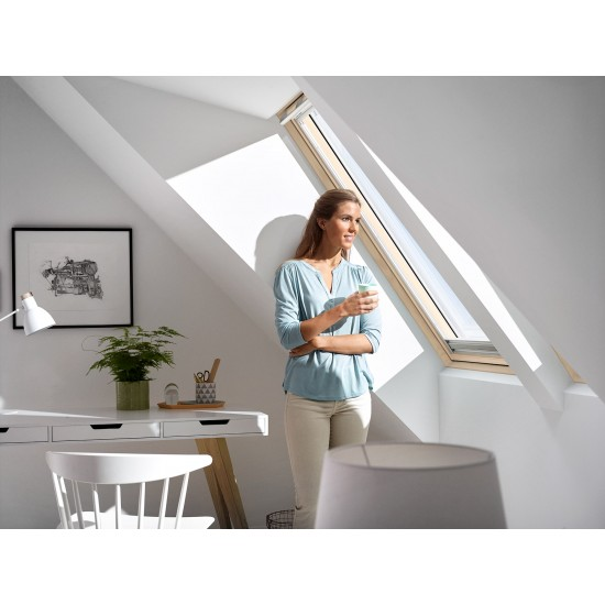 velux centre pivot white painted roof window 780x980 ggl mk04 2070