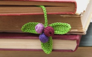 crochet a new leaf bookmark