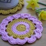 crochet daffodil coaster