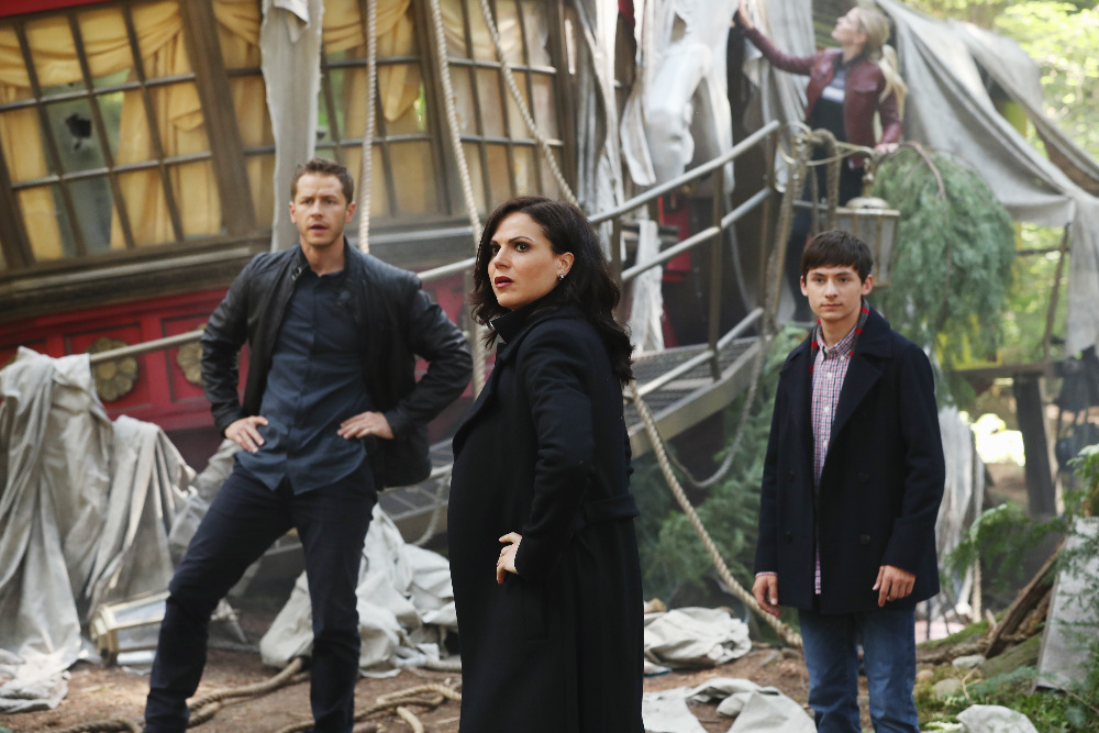 """ONCE UPON A TIME - """"The Savior"""" - As """"Once Upon a Time"""" returns to ABC for its sixth season, SUNDAY, SEPTEMBER 25 (8:00-9:00 p.m. EDT), on the ABC Television Network, so does its classic villain-the Evil Queen. (ABC/Jack Rowand) JOSH DALLAS, LANA PARRILLA, JARED S. GILMORE"""