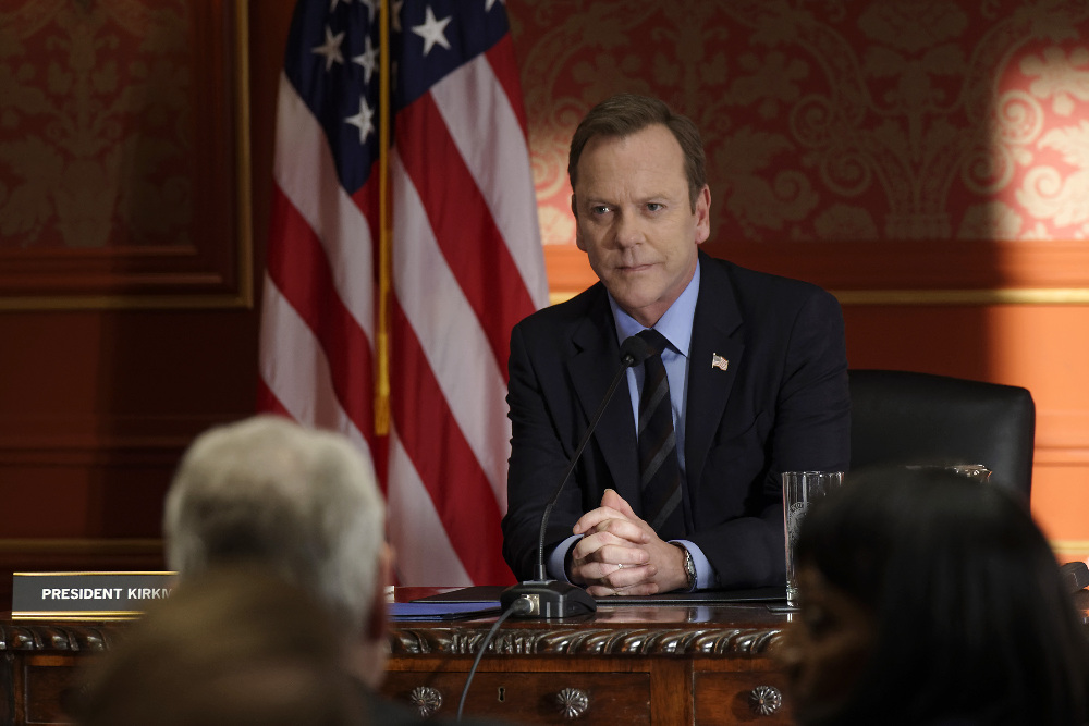 """DESIGNATED SURVIVOR - """"The Interrogation"""" - When shots ring out at The White House during a Governors Summit, President Kirkman's plans at electing a new Congress are thrown into turmoil, while Agent Hannah Wells continues investigating the Capitol bombing and makes one of her most shocking discoveries yet on ABC's """"Designated Survivor,"""" WEDNESDAY, NOVEMBER 9 (10:00-11:00 p.m. EST). (ABC/Ben Mark Holzberg)"""