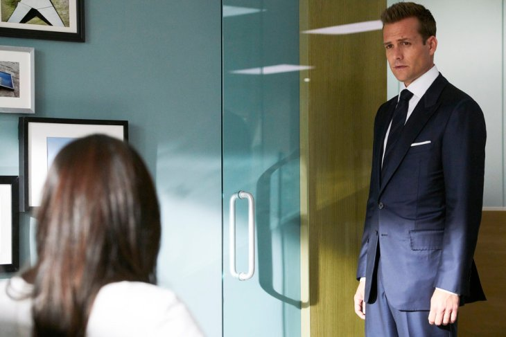 """SUITS -- """"Brooklyn Housing"""" Episode 705 -- Pictured: Gabriel Macht as Harvey Specter -- (Photo by: Ian Watson/USA Network)"""