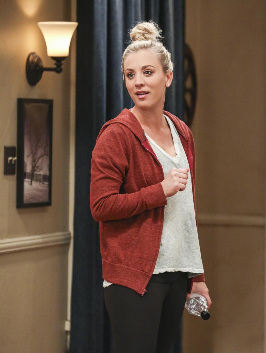 The Big Bang Theory - Kaley Cuoco as Penny - red sweatshirt