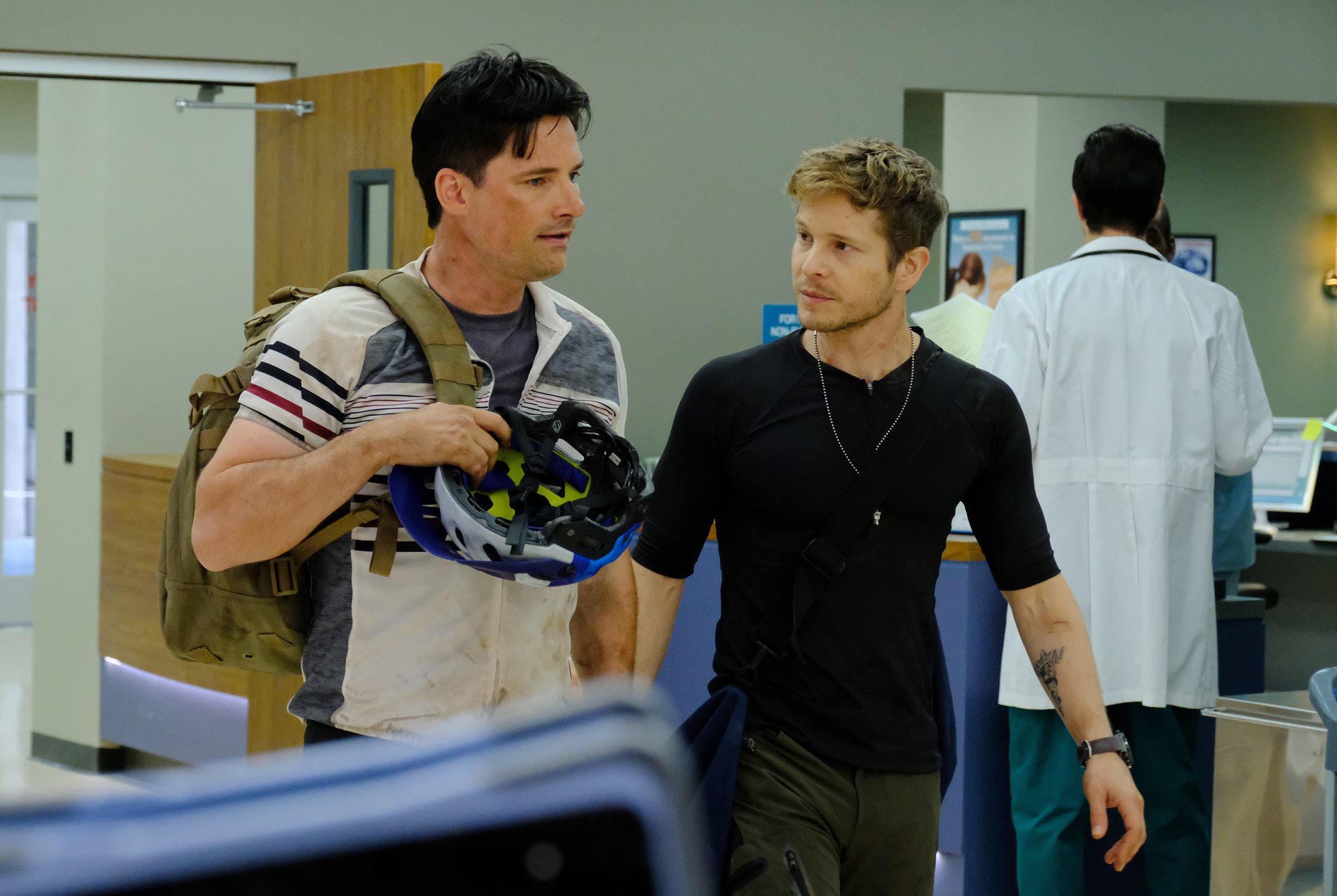 Guest Star Warren Christie And Matt Czuchry In The Comrades In Arms