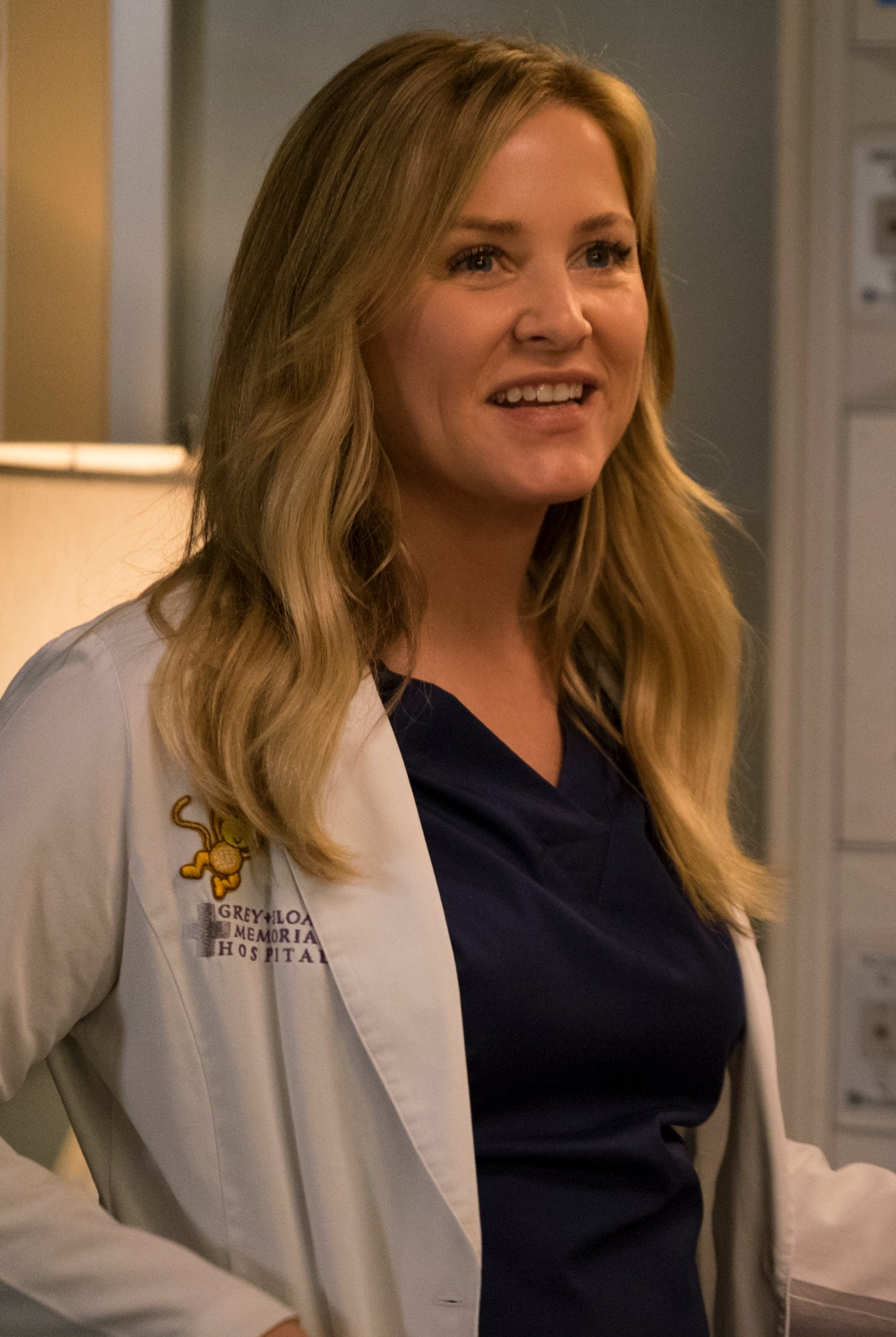 Greys Anatomy Review Fight For Your Mind Season 14 Episode 22