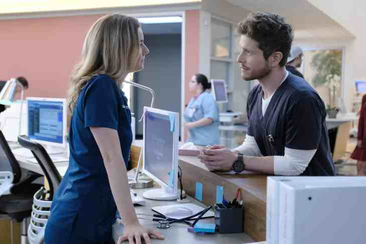 The Resident Season 2 Episode 1 - Emily VanCamp as Nicolette Nevin and Matt Czuchry as Conrad Hawkins