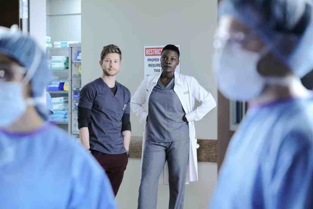 The Resident Season 2 Episode 7 - Matt Czuchry as Conrad Hawkins and Shaunette Renée Wilson as Mina Okafor