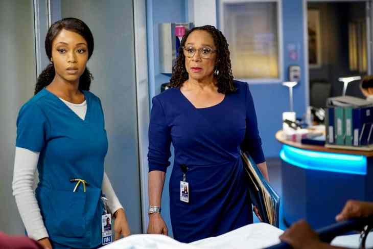 Chicago Med Season 4 Episode 7 - Yaya DaCosta as April Sexton, S. Epatha Merkerson as Sharon Goodwin