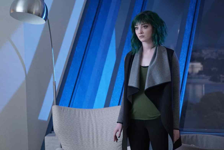 The Gifted Season 2 Episode 7 - Emma Dumont as Lorna Dane / Polaris