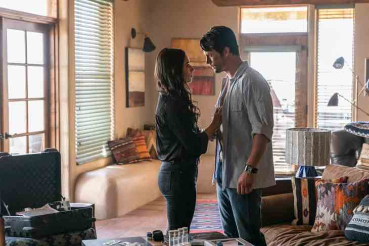 Roswell New Mexico Review Tearin Up My Heart Season 1 Episode 3