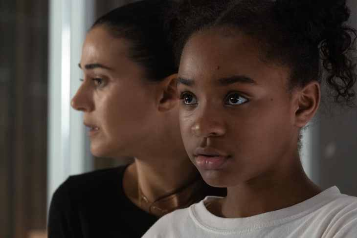 The Passage Season 1 Episode 9 - Saniyya Sidney as Amy Bellafonte and Emmanuelle Chriqui as Dr. Lila Kyle