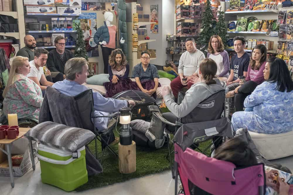"NUP 185243 0103 - Superstore (S04E12) ""Blizzard"""