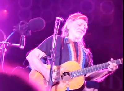 Willie Closes Out Blues and Brews