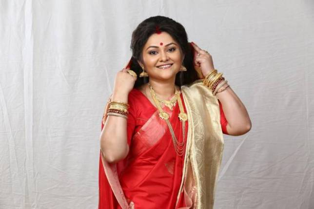 Zee Bangla launches new serial Andarmahal; Koneenica plays title role
