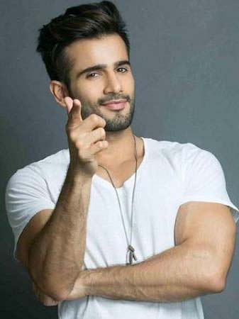 Karan Tacker As Viren Singh